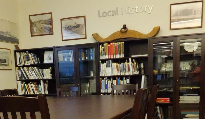 Collingwood Public Library Bookcase Display